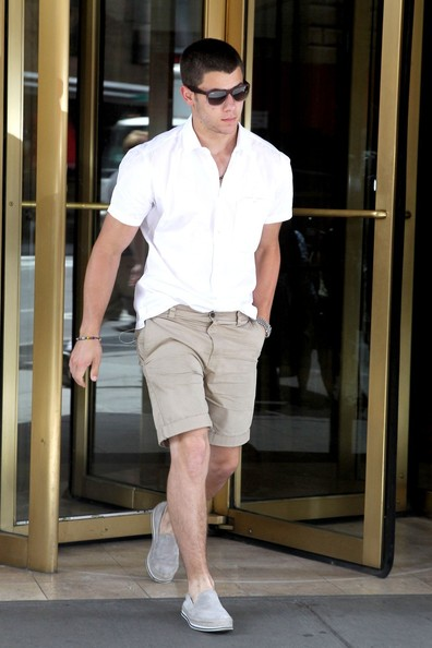 Khaki Shorts White Shirt - The Else