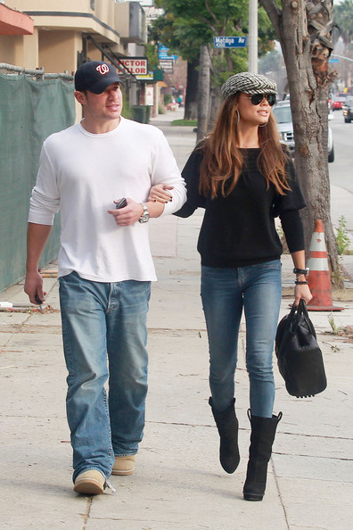 Nick Lachey Nick Lachey and his fiancee Vanessa Minnillo have lunch together at Stanley's in Sherman Oaks. The couple, both casually dressed in jeans and comfy boots, ate for about an hour and were seen to be in good spirits as they walked back to Nick's car. .