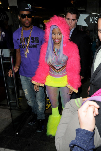 nicki minaj dating history zimbio She has been in the limelight when she started dating justin here are few interesting facts about selena gomez worth 19 interesting facts about nicki minaj.
