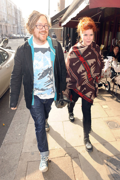 Paloma Faith Paloma Faith, wearing a Native American blanket, walks down the street after lunching with Kate Moss and Tess Daly.