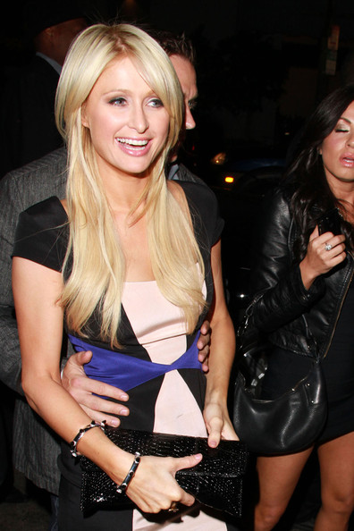 http://www4.pictures.zimbio.com/pc/Paris+Hilton+boyf+Cy+Waits+dine+out+Hollywood+H4_Dmrpgjj-l.jpg
