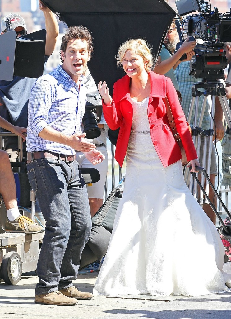 Paul Rudd Photos Photos - Paul Rudd and Amy Poehler Film ...