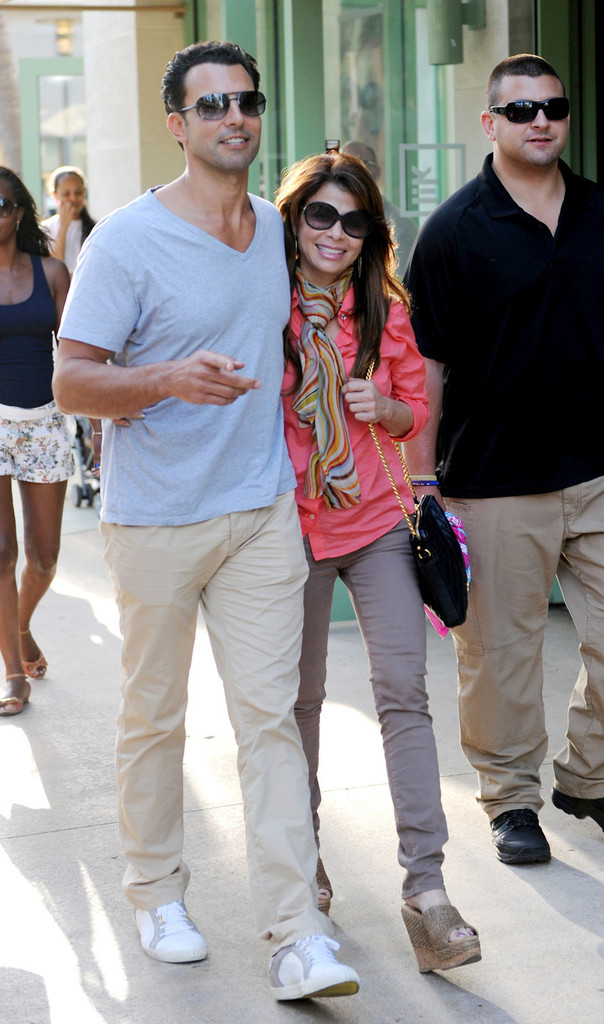 Who is paula abdul dating caprio. Who is paula abdul dating caprio.