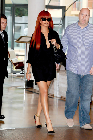 Rihanna Shops at Westfield