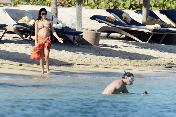 Channing Tatum and wife show off buff bods on beach