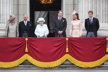 Prince William Prince Charles Prince Harry, Kate Middleton and Prince William greet crowds at the Queen's Diamond Jubilee celebration on Buckingham Palace balcony