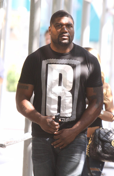 Quinton Jackson Walks with a Friend in NYC - Pictures - Zimbio