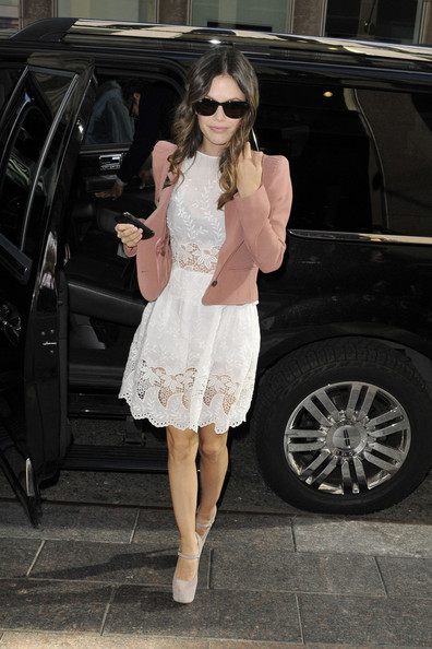 celebs we love: rachel bilson