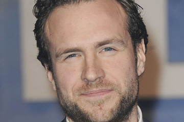 rafe spall weddingrafe spall tumblr, rafe spall black mirror, rafe spall weight loss, rafe spall instagram, rafe spall wife, rafe spall height, rafe spall father, rafe spall, rafe spall elize du toit, rafe spall actor, rafe spall jamie dornan, rafe spall imdb, rafe spall movies, rafe spall wedding, rafe spall prometheus, rafe spall hot fuzz, rafe spall shirtless, rafe spall dad, rafe spall the big short, rafe spall net worth