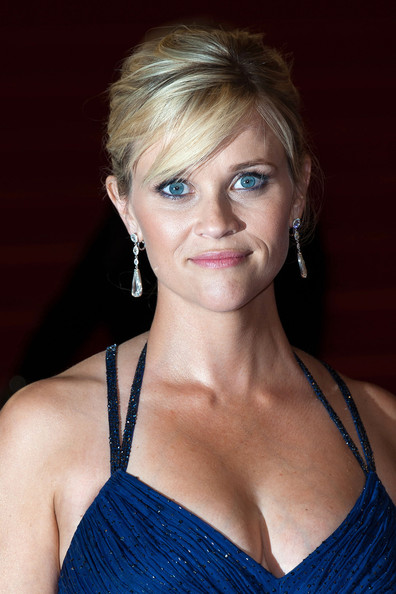 http://www4.pictures.zimbio.com/pc/Reese+Witherspoon+Tye+Sheridan+Jacob+Lofland+C0drmGtjFZWl.jpg