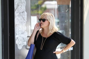 Reese Witherspoon READY TO POP - Reese Witherspoon shows off a gigantic baby bump as she runs errands in Brentwood