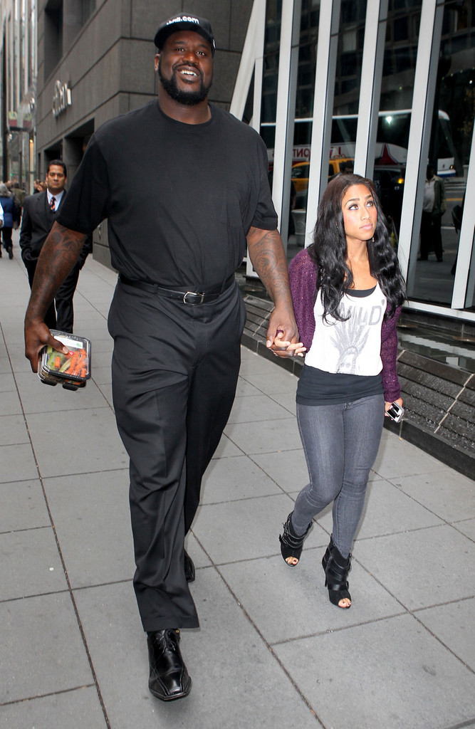 is shaquille o neal dating hoopz Nbas boston celtics player shaquille oneal recently made headlines for his supposed engagement with hoopz aka nicole alexander the media reports that veteran basketball singer was spotted with the former reality star of flavor of love and winner of.