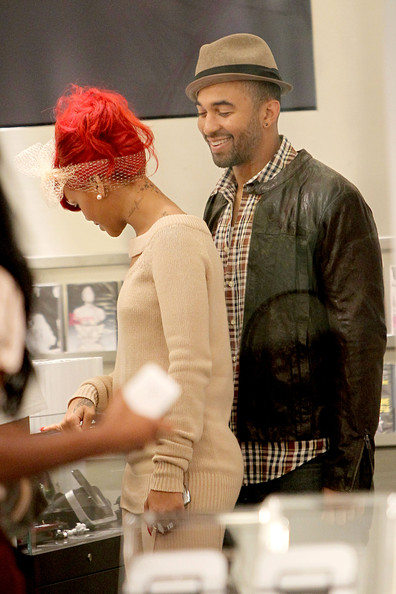 Rihanna Lovebirds Rihanna and Matt Kemp cuddle up as the two are spotted shopping together in Paris.