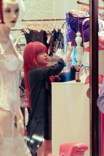 Rihanna Rihanna spends an afternoon shopping at Sydney's Westfield city store browsing in lingerie stores and in the Louis Vuitton shop.