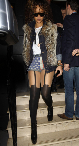 Rihanna in Rihanna leaves Nozomi Restaurant in London
