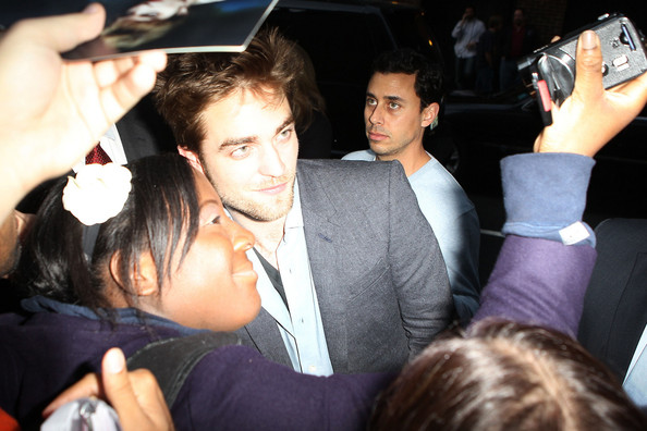 Robert Pattinson - Peter Facinelli Meets Fans 2