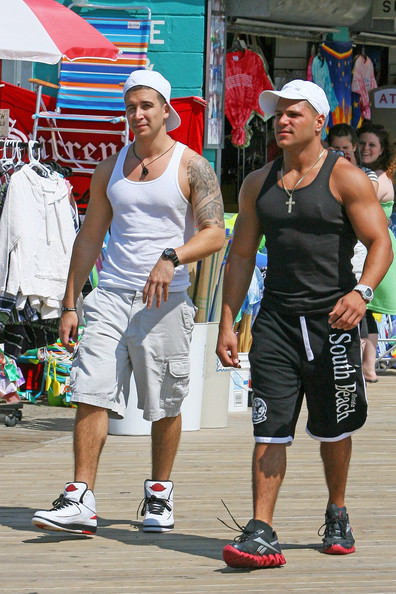 jersey shore ronnie beats up situation. jersey shore ronnie beats up