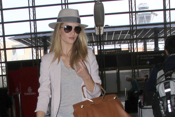 Rosie Huntington-Whiteley Rosie Huntington Whiteley Leaves LA — Part 2