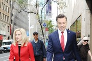 Jason Sudeikis and Kate McKinnon Photos Photo