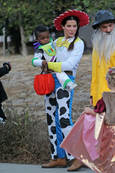 Braid of the Day: Sandra Bullock's Cute Toy Story Look (+ Louis' Buzz Lightyear Costume!)