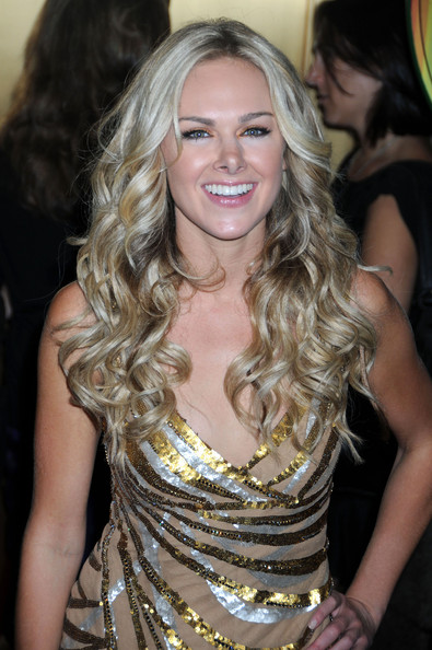 Long Curls With Bangs, Long Hairstyle 2011, Hairstyle 2011, New Long Hairstyle 2011, Celebrity Long Hairstyles 2160
