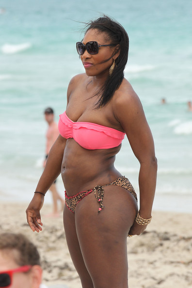 serena williams pictures   serena williams at the beach