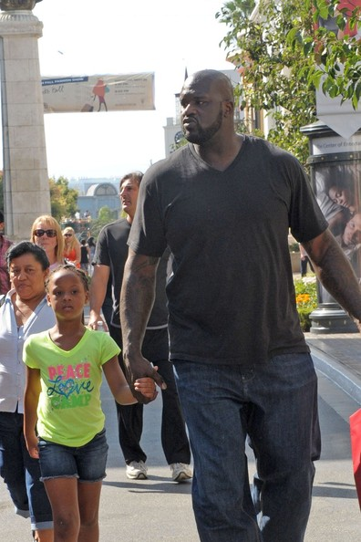 essay oneal shaquille Born on march 6, 1972, in a poor area of newark as shaquille rashaun o'neal, shaq's childhood was spent with his parents, lucille and philip o'neal he has two sisters, lateefah and ayesha he also has one brother, jamal.