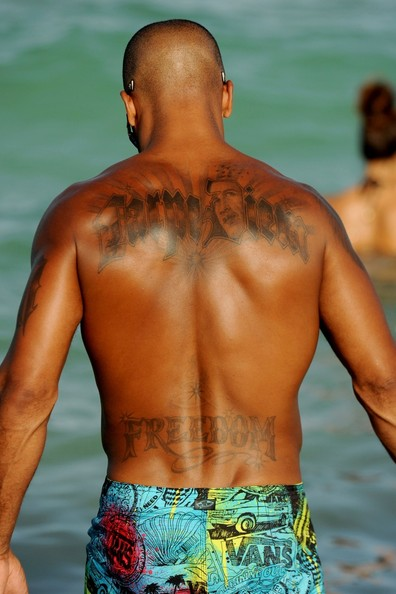 Shemar moore pictures carpe diem shemar moore shows for Shemar moore back tattoo