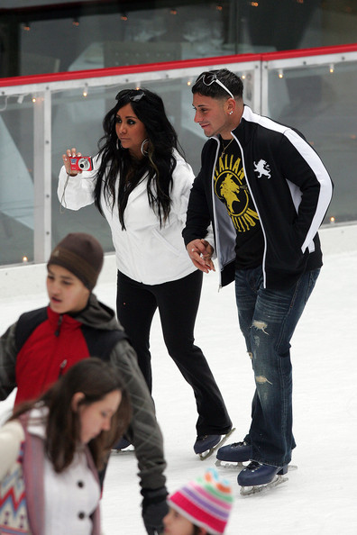 Skating with Snooki