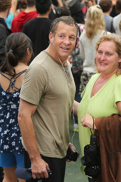 guttenberg dating Steve guttenberg was born on august 24, 1958 to ann newman and stanley guttenberg in boropark, brooklynthe family moved from brooklyn, to queens,.