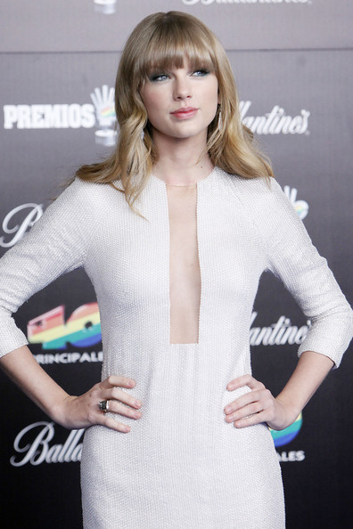 Taylor Swift - Celebs at the Principales Awards