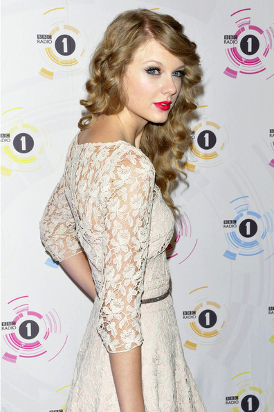 Taylor swift love story dress replica