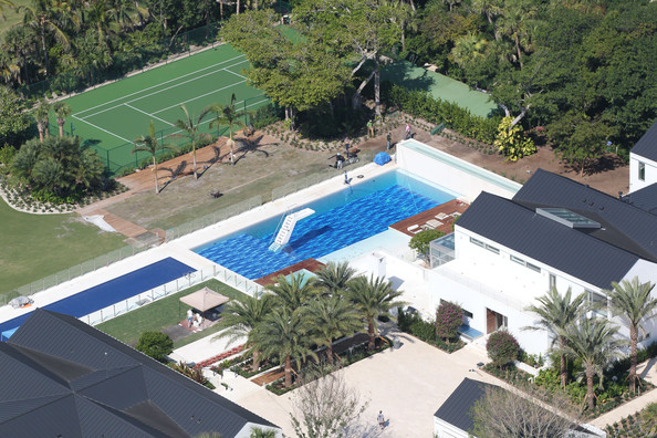 Tiger woods owns this 12 acre 80 million mansion on Images of tiger woods house