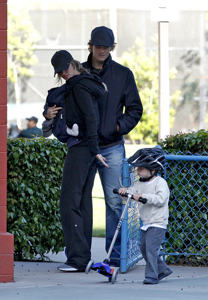 gisele bundchen tom brady and son. Tom Brady and Gisele Bundchen