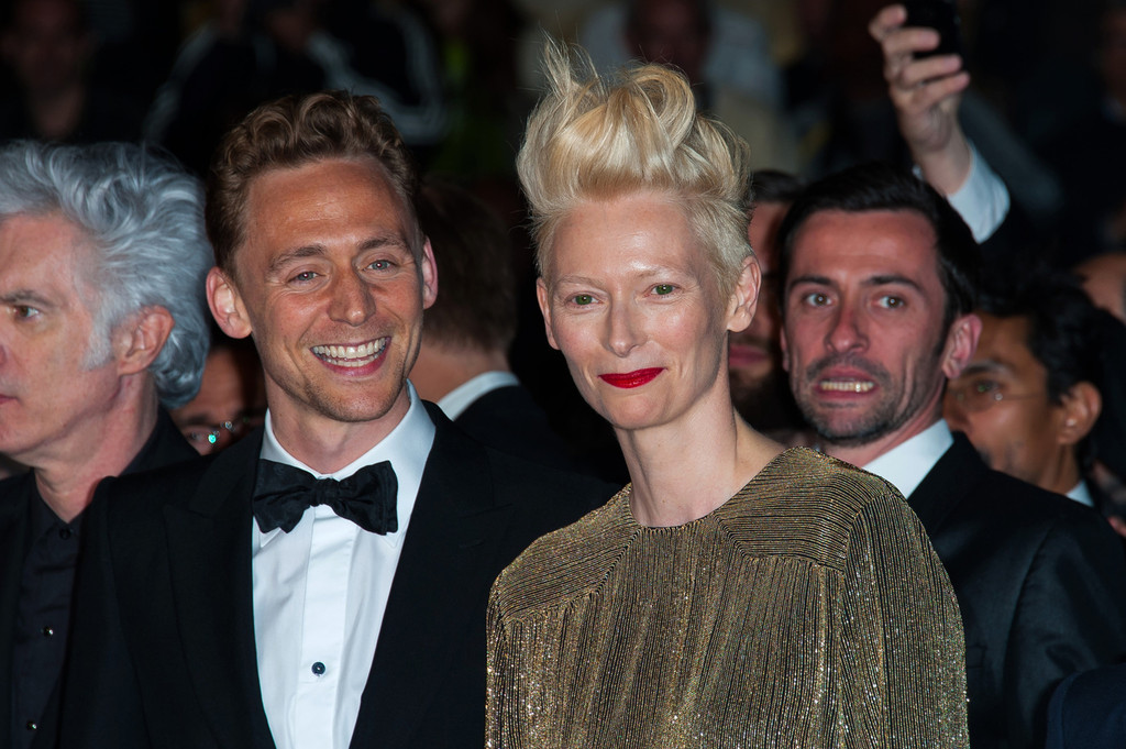http://www4.pictures.zimbio.com/pc/Tom+Hiddleston+Only+Lovers+Left+Alive+Premieres+K2ZRQRKNceGx.jpg