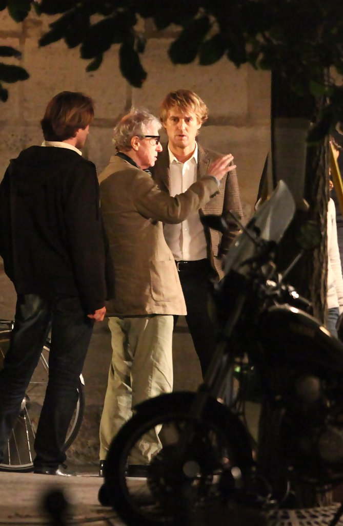 owen wilson stars in midnight in Read a review of woody allen's 2012 oscar nominated midnight in paris.