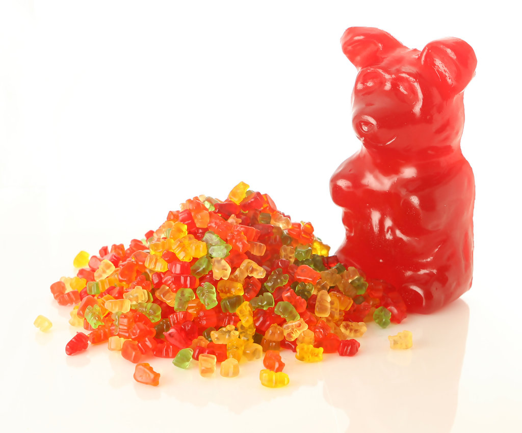 Worlds Largest Gummi Bears! and Giant Gummy Bears  The