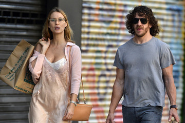 Vanessa Lorenzo Carles Puyol Shops with His Girlfriend in NYC