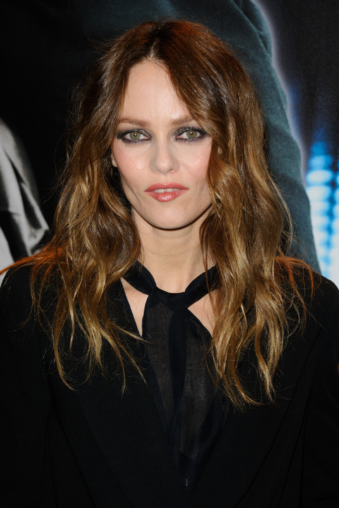 pictures vanessa paradis on the red carpet without johnny depp vanessa paradis zimbio. Black Bedroom Furniture Sets. Home Design Ideas