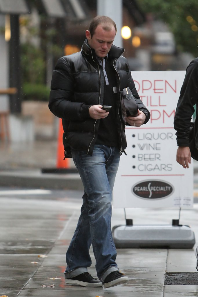 Wayne Rooney Zimbio Wayne Rooney heads off soggy morning another fWlBdx dtlxx jpg