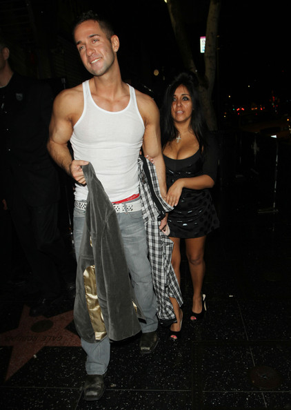 http://www4.pictures.zimbio.com/pc/cast+MTV+Jersey+Shore+enjoy+night+out+Hollywood+Zc9SDEVQY5wl.jpg
