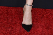 Jodie Comer Pumps