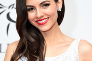 Victoria Justice Side Sweep