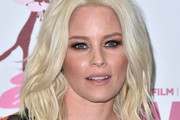Elizabeth Banks Medium Wavy Cut