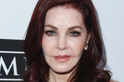 Priscilla Presley Medium Curls
