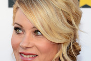 Christina Applegate Chignon