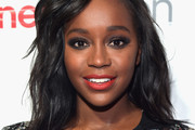 Aja Naomi King Medium Wavy Cut