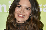 Mandy Moore Medium Wavy Cut
