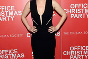Kate McKinnon Little Black Dress