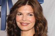 Jeanne Tripplehorn Medium Wavy Cut